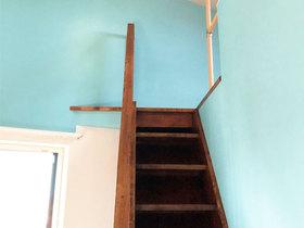内装リフォームロフト梯子を手すり付きの階段へリフォーム